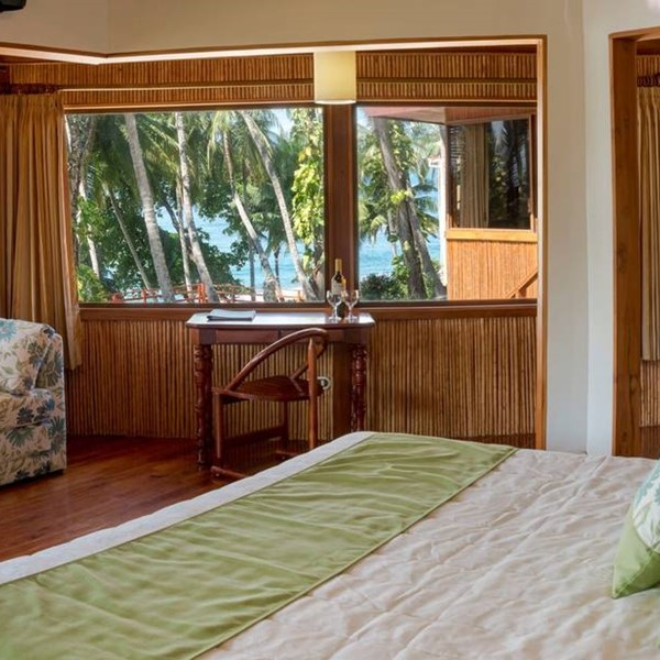Tiki Beachfront Suite
