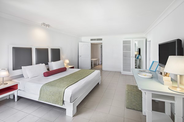 Ambre Honeymoon Suite